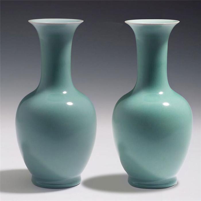 龙泉青瓷凤尾瓶